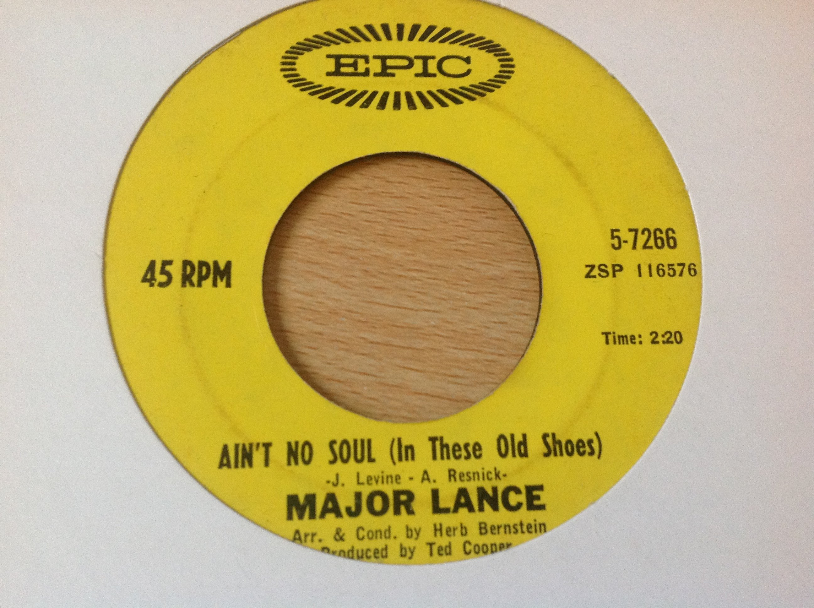 Major Lance Aint No Soul In These Old Shoes