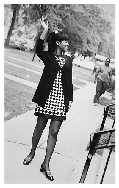 P117,-Tammi-Terrell-gives-a-wave-in-the-street-outside-Motown-HQ.jpg