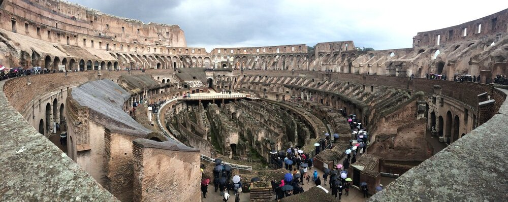 IMG_3747-Colosseum.thumb.jpg.c22f3c8de4151d6a0700afcf5408d36e.jpg