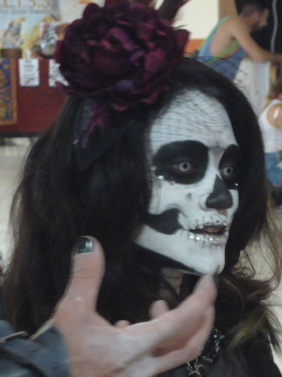 268214250_Dayofthedead.png.bbcdd9e19f480ecf9fb9f3284c107b9a.png