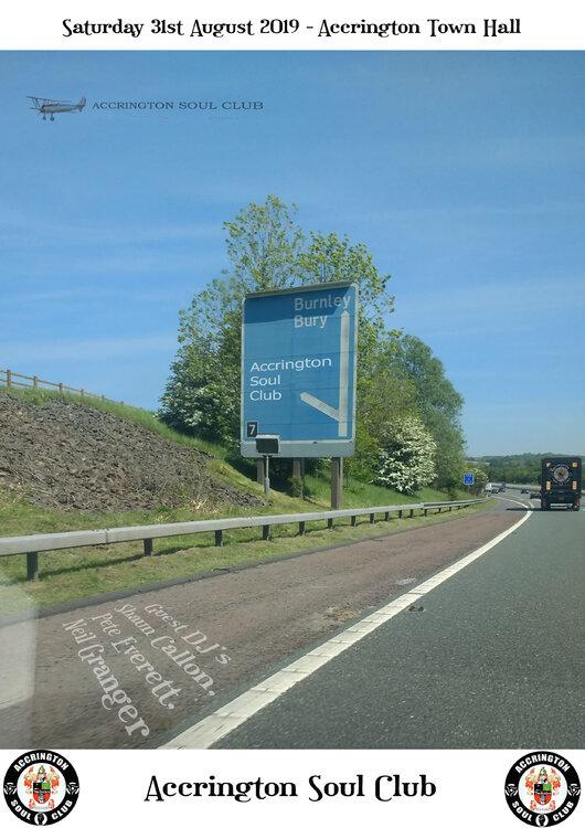 Accy motorway sign plane aug.jpg