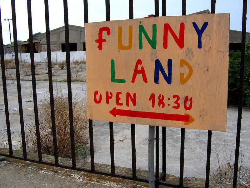 Funny-land.jpg.983f4c1ade19bf33e537a23b2e54f0a4.jpg