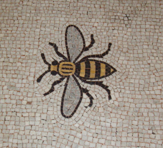 Bee_mosaic_in_Manchester_Town_Hall_floor_.jpg